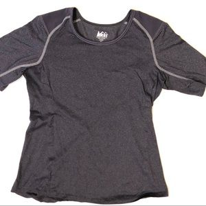 REI Womens Screeline T-Shirt M Purple Gray Outdoor